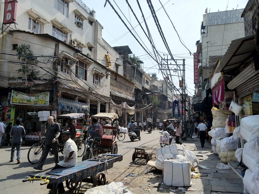 Delhi messy lively streets