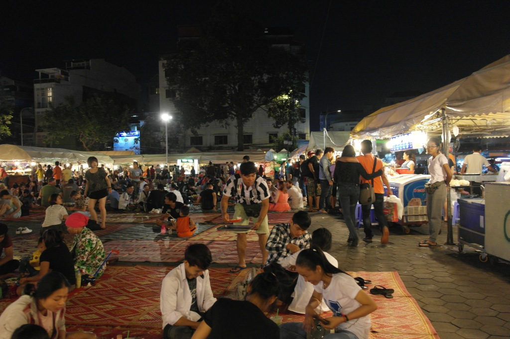 phnom penh night market food area