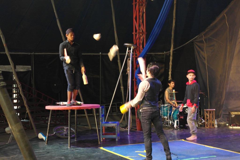 circus school battambang