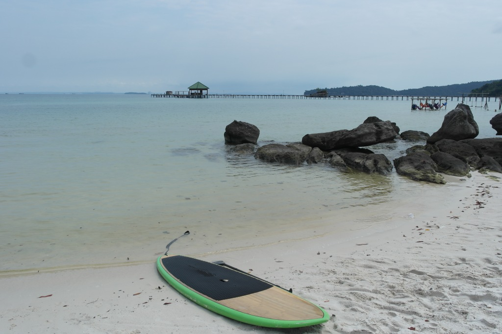 koh rong samloem mad monkey beach