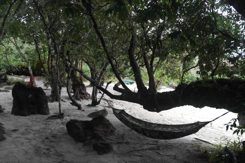 koh rong samloem hidden hammock